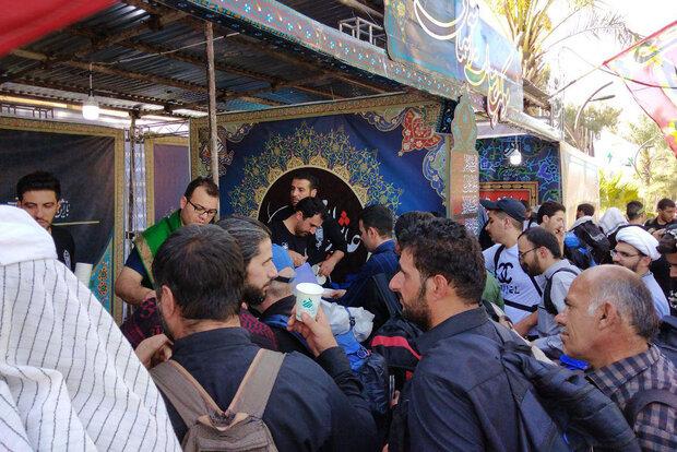 ۱۵ گروه جهادی در مسیر مرز خسروی خدمات ارائه می کنند